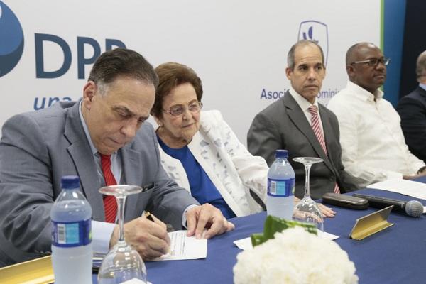 Rehabilitación ampliará sus servicios gracias a donación Fundación AES Dominicana
