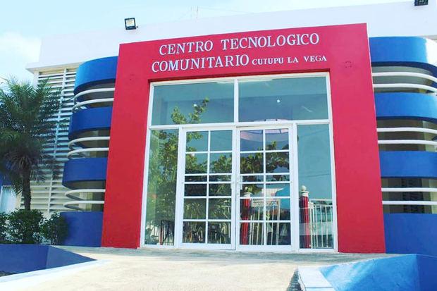 Centros Tecnológicos Comunitarios inaugura Sala de Espacio Maker en Cutupú de La Vega