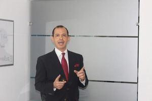 Cesar Román.
