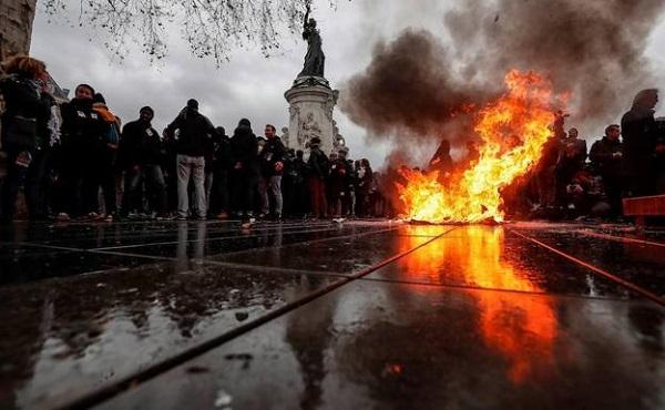 París se blinda ante el riesgo de violencia por los