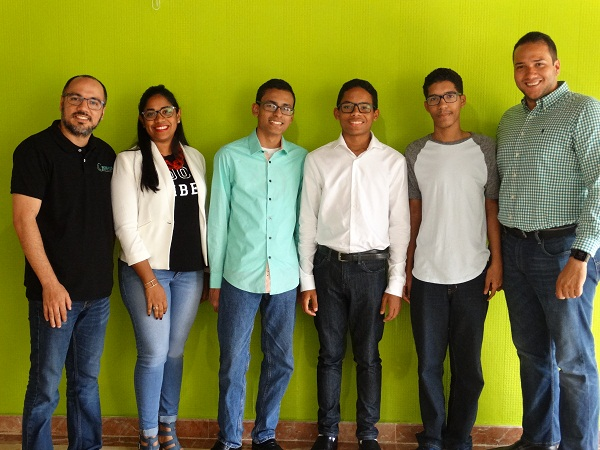 Empresa contribuye para que jóvenes RD vayan a Olimpíada de Informática