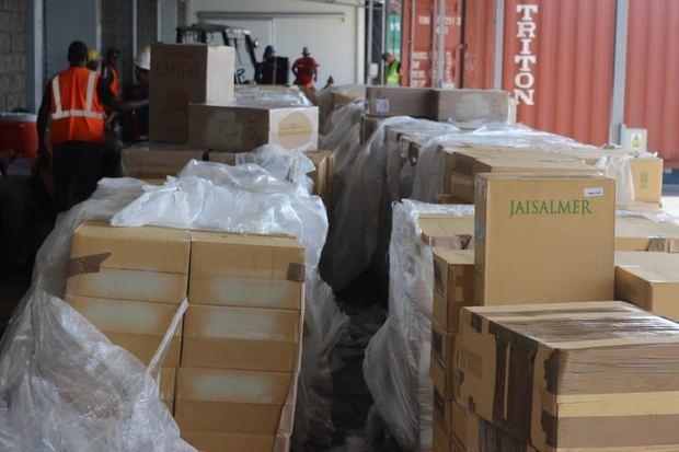 Aduanas se incauta millonario contrabando de cigarrillos