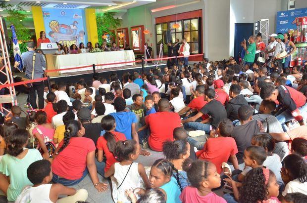 Niños y niñas participantes en el  Festival Internacional de Cine Infantil 2019 (FICI).