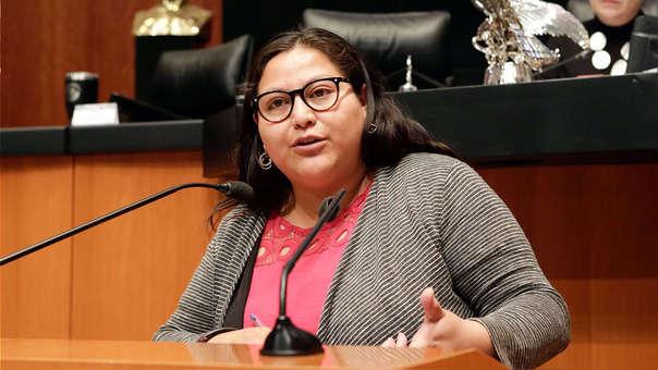 La senadora mexicana Citlalli Hernández recibió un explosivo escondido en un libro.