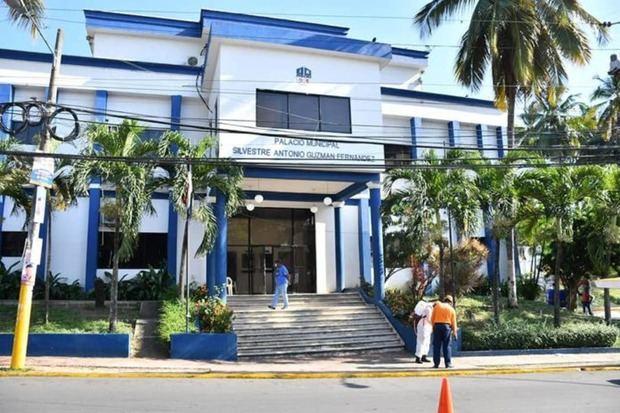 Tribunal Superior Administrativo condena Ayuntamiento de Santo Domingo Oeste por vulnerar derechos de servidora pública