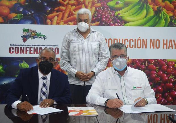Cooperativa Nacional de Seguros y CONFENAGRO firman alianza de colaboración.