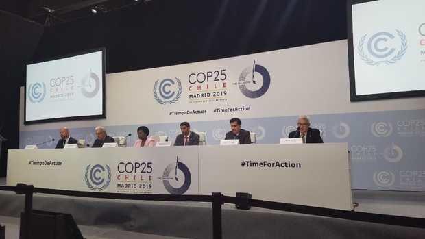 Moisés Álvarez, director técnico del CNCCMDL, mientras participa en la rueda de prensa en la que se anunció la realización en el país de la Semana Regional del Clima de Latinoamérica y el Caribe 2020.