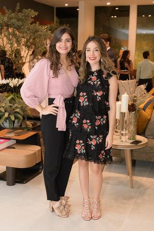 Coral Chavez y Gabriela Hernández.