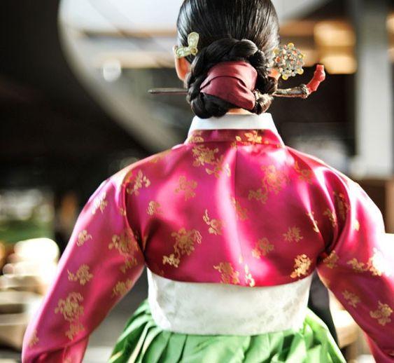 Vestido coreano.