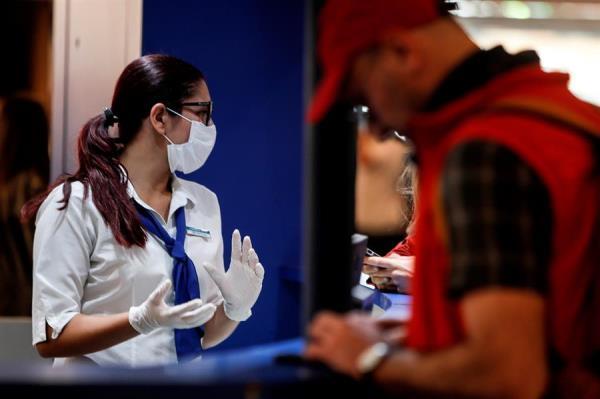 El Ministerio de Salud de Argentina confirmó este sábado la primera muerte de un paciente infectado con coronavirus (Covid-19).