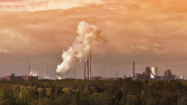 Crean un sistema que evita las emisiones de CO2 al elaborar combustible líquido