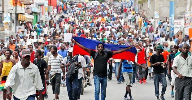 Haitianos volvieron este domingo a protestas en Puerto Príncipe y otras partes del país para exigir la renuncia del presidente Jovenel Moise.