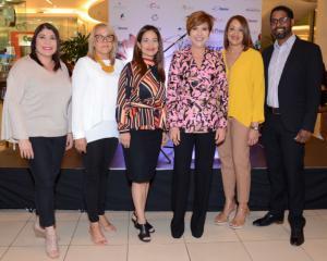 Keren Cirineo, Ángela Paulino, Francis Rodríguez, Theresa Sullivan, Denisse Urelio y Miguel Morales