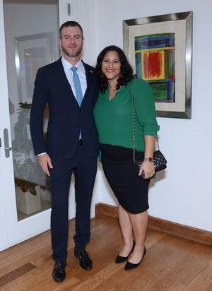 Stephen Fago y Paola Valdez.