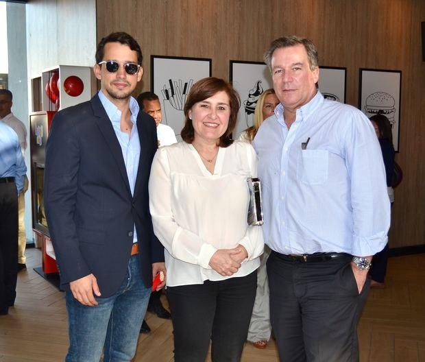 José Vidal, María Armenteros y José Gonzalez-Del Rey.