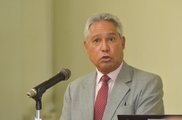 Santana expresa preocupación por propuestas modificar la Ley de Hidrocarburos