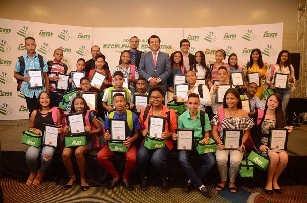 Industrias San Miguel realiza premiación de Excelencia Estudiantil 2018