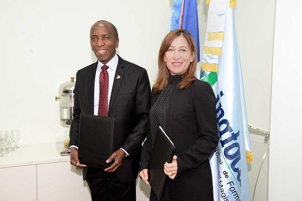 El INAFOCAM y la OEI amplían convenio de cooperación en la RD
