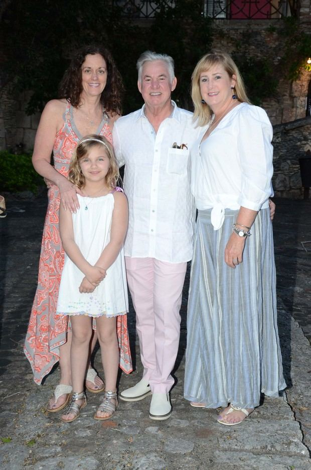 Danielle Winkle,Mirabelle Winkle , John Theriot Y Joanna Theriot.