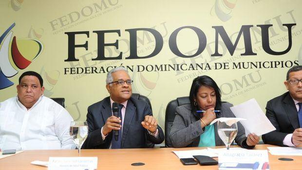 Presentan a FEDOMU estrategia reducción de muertes maternas y neonatales