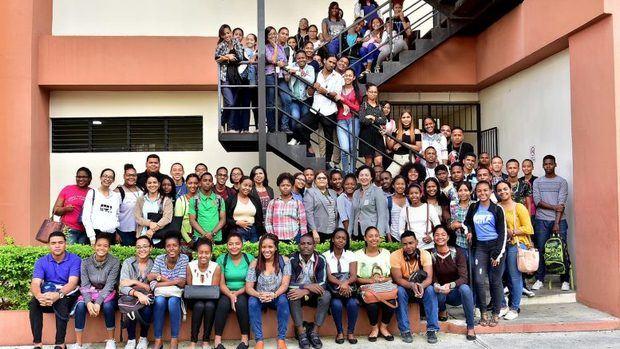 Inafocam tiene disponible 1,160 becas para bachilleres interesados en estudiar educación