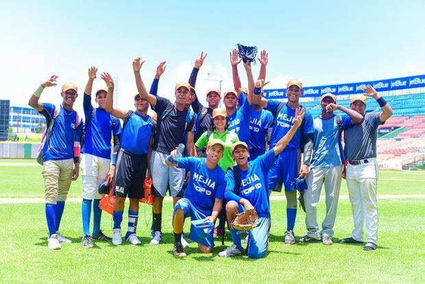 """La Copa Rica Intercolegial de Fútbol """"Viste tu potencial al 100% Rica"""" en la Ciudad Corazón"""