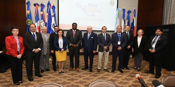 República Dominicana llama a esfuerzo regional para garantizar energía a los pobres