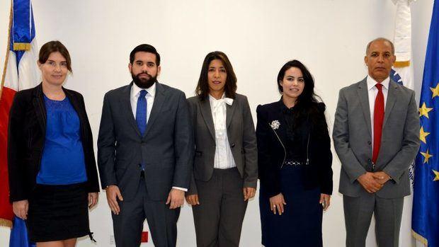La República Dominicana y la UE realizan videoconferencia sobre nueva directiva sobre trazabilidad y seguridad del tabaco en Europa.