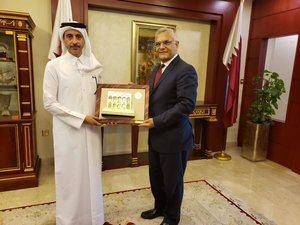 Dr. Ahmad Al-Hamadi de la cancillería  y Carlos Gabriel García.