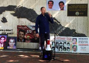 El presidente del Tribunal Supremo en el exilio de Venezuela, Miguel Ángel Martín, habla durante un acto celebrado este domingo, en el Memorial Cubano de la Pequeña Habana, en Miami, EE.UU.