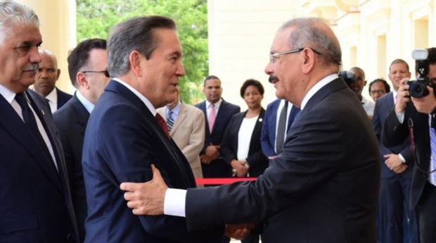 El jefe de Estado Danilo Medina recibe al presidente electo de Panamá