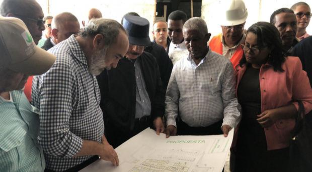 Danilo Medina da seguimiento avances construcción Hospital San Bartolomé de Neiba