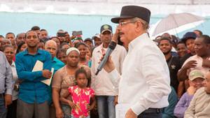Visita Sorpresa número 265 del presidente Danilo Medina a productores agrupados en varias asociaciones en Villarpando, Azua, donde aprobó crédito solidario y otros beneficios.