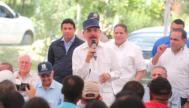 Danilo Medina da impulso a ganaderos de Las Cuchillas, El Seibo