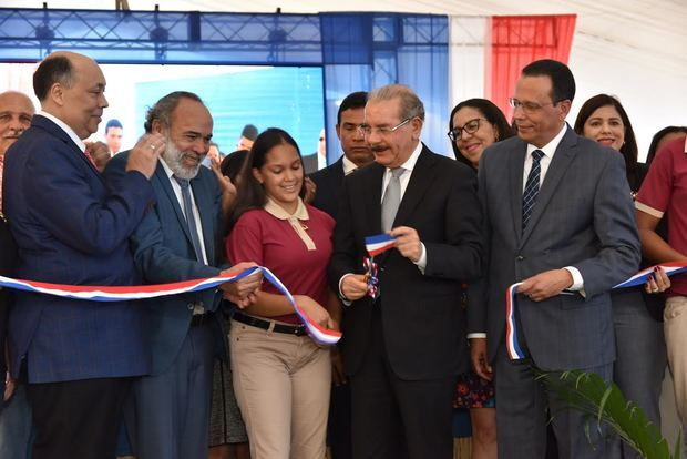 Con la inauguración del Liceo y Centro educativo se beneficiarán más de 1,260 estudiantes en tanda extendida.
