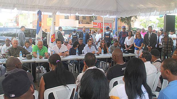 Collado encabeza asambleas comunitarias en Guachupita y Villas Agrícolas