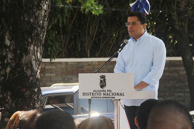 El alcalde David Collado inauguró la instalación de cámaras de seguridad en una primera etapa de 6 parques de Santo Domingo.