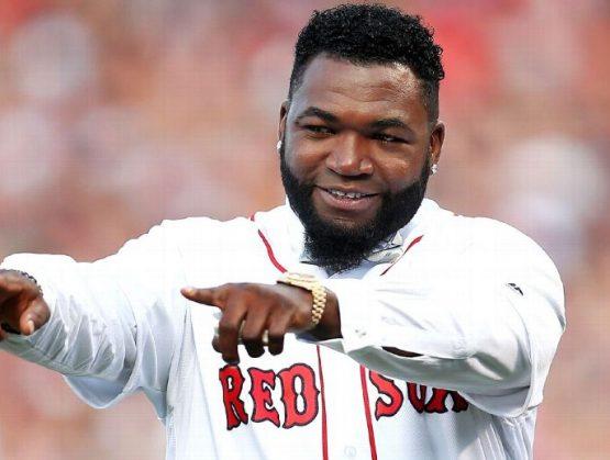 David Ortiz y los Boston Red Sox ayudaron a esparcir buen ánimo a los trabajadores del hospital de Boston.
