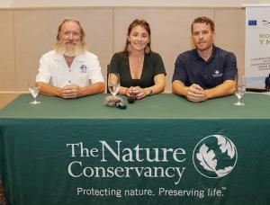 David Vaughan, Ximena Escovar  representando The Nature Conservancy y Jake Kheel, VP de la Fundación Grupo Puntacana