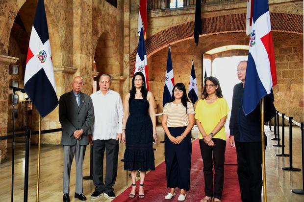 El ministro de Cultura, arquitecto Eduardo Selman, acompañó a la representación del Instituto de Cultura Puertorriqueña, ICP, en el acto de honor a Eugenio María de Hostos. (Foto:Cortesía).