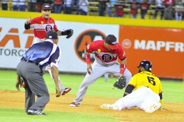 Leones vencen a las Águilas ; Gigantes y Licey ganan en béisbol