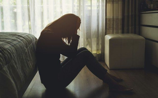 Las mujeres sufren el doble de trastornos psicológicos que los hombres.