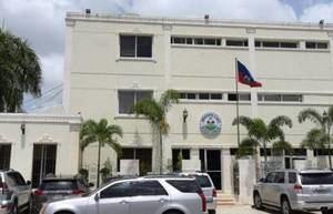 El consulado haitiano en Dajabón aclaró que la persona detenida el pasado jueves transportando inmigrantes indocumentados en un automóvil no era personal diplomático, sino un chofer dominicano.