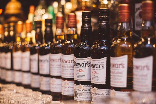 Doble victoria para Dewar's en la Competencia Internacional de Whisky 2020.