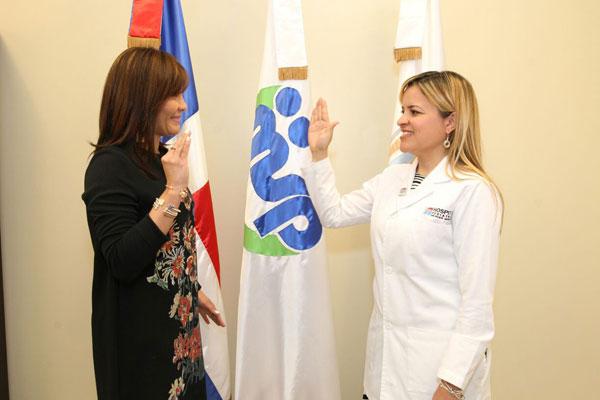 Font-Frías juramenta directora Hospital Pediátrico Hugo Mendoza