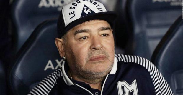 Operan con éxito a Diego Maradona del hematoma subdural