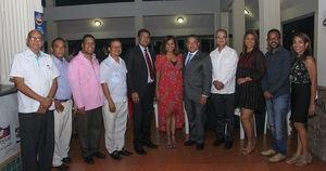 Directivos de Adompretur junto a Alejandro Herrera director del IDAC.