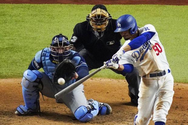 Dodgers ganan 6-2 a Rays; aventajan 2-1 en Serie Mundial.