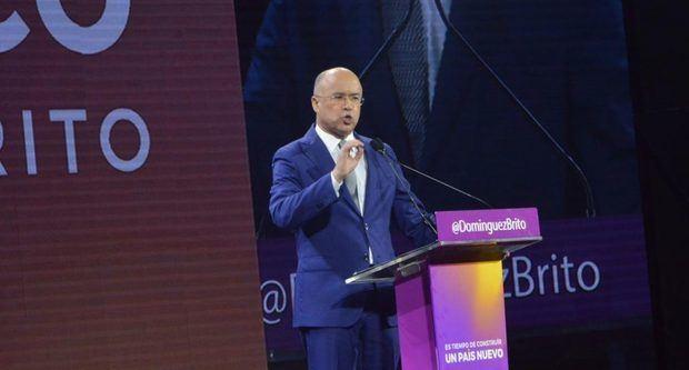 Domínguez Brito presenta programa de gobierno sin poder emitir por radio y TV