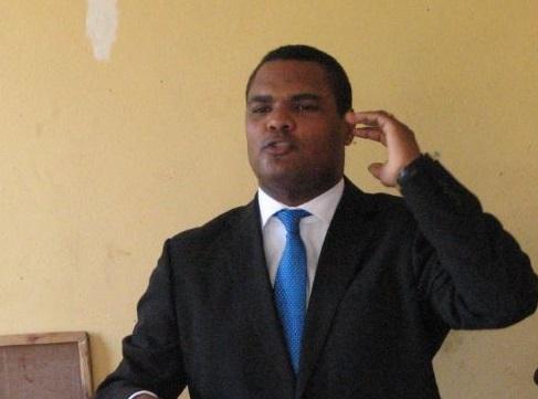 Presidente Medina destituye a embajador Danni Santana